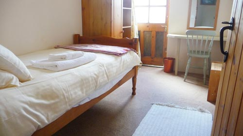 Single-Bedroom-1-500.jpg