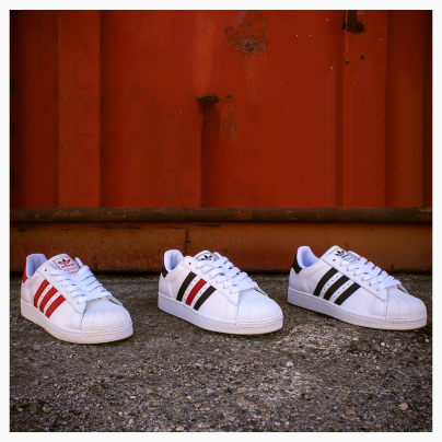 Adidas famous 3 striped Superstar