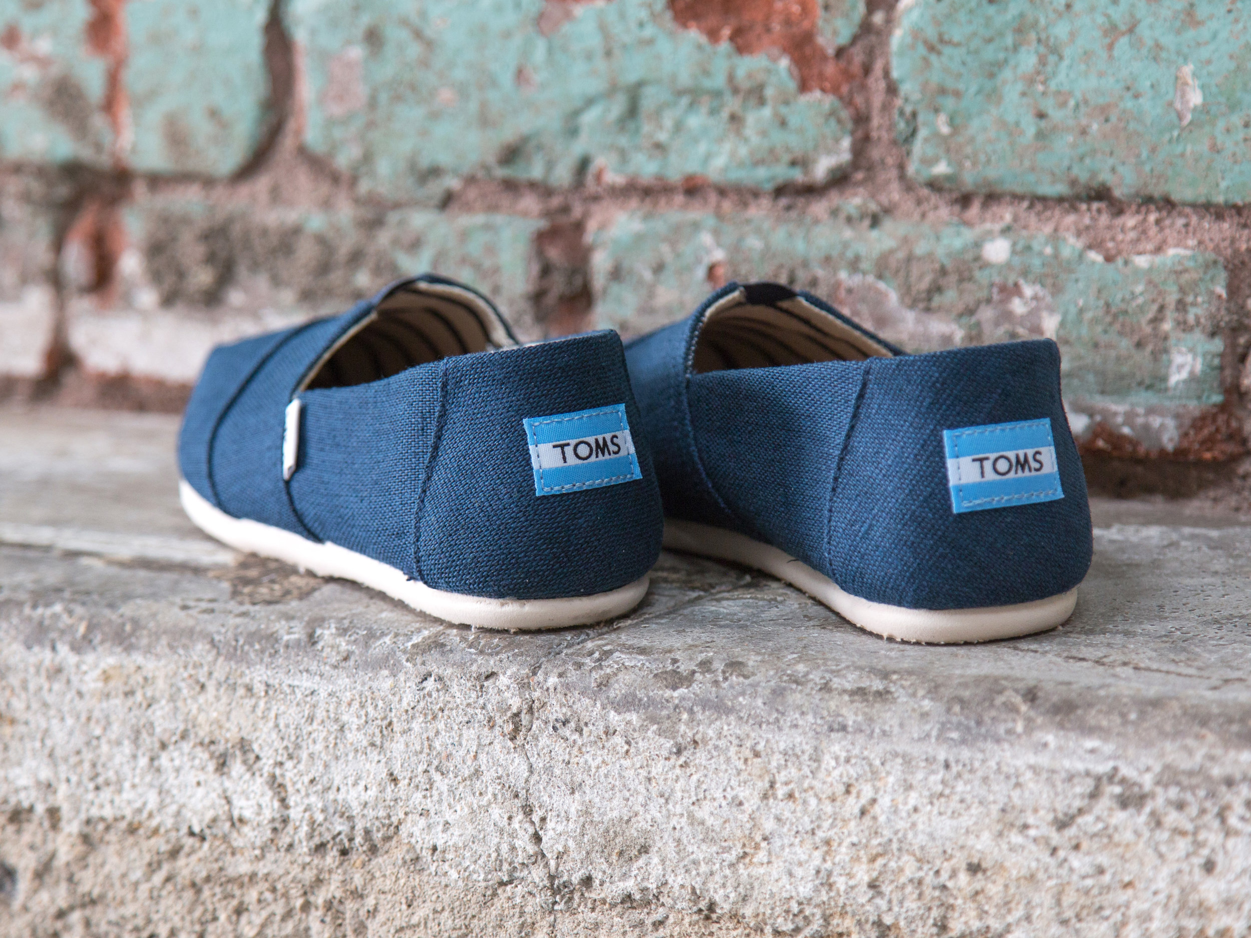 4 - Toms Alpargata Heritage Canvas in Majolica Blue is the classic silhouette in a tempting new hue.