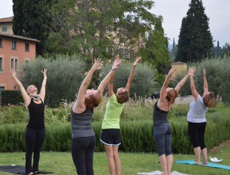 The morning class took place in one of the side yards of the Villa's property before breakfast.