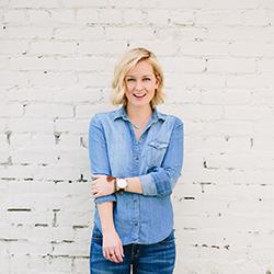 The Effortless Chic - Jen Pinkston