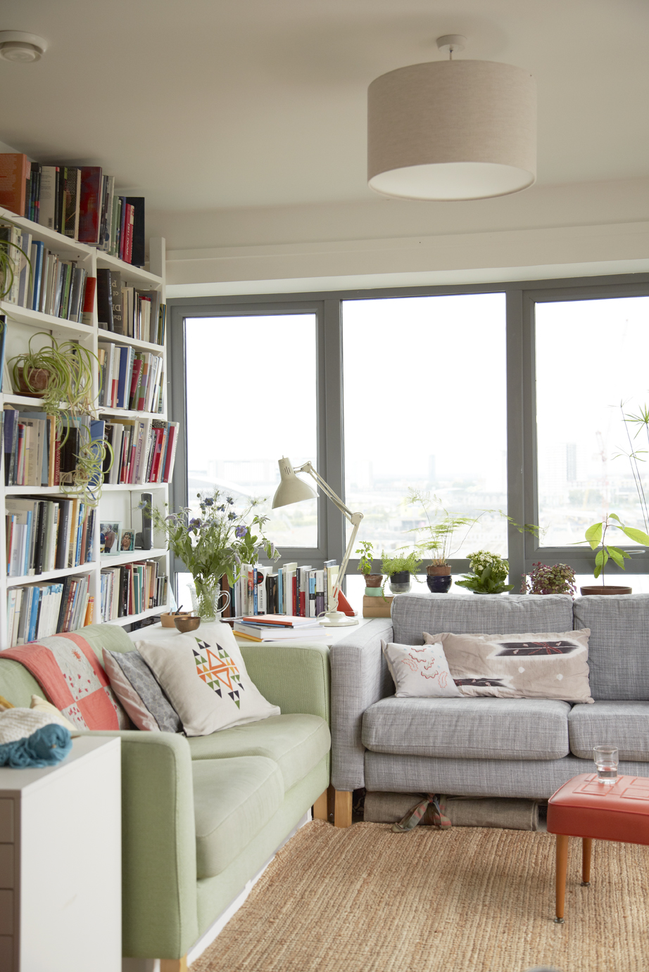 I  mage taken from   Home for Now  by Joanna Thornhill (CICO Books) -  Living Room - Home of Anna Alicia