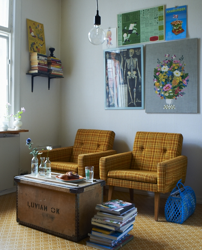 I  mage taken from   Home for Now  by Joanna Thornhill (CICO Books) -  Living Room - Home of Karin Lindroos