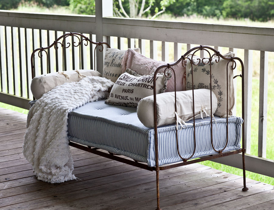 French-iron-daybed.jpg