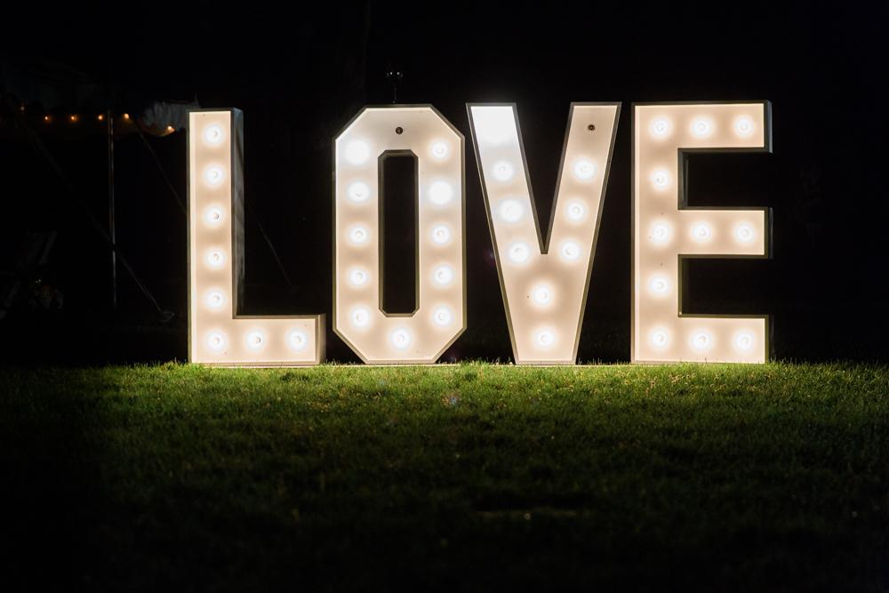 elm-bank-garden-wedding-sign