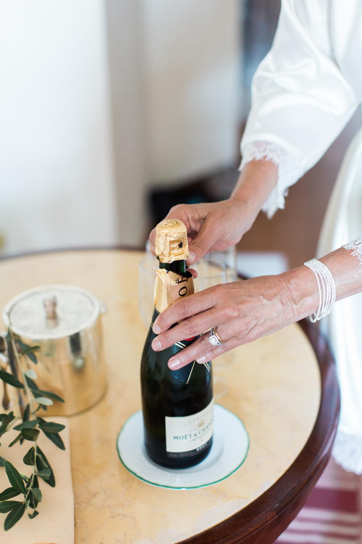 ravello-wedding-champagne