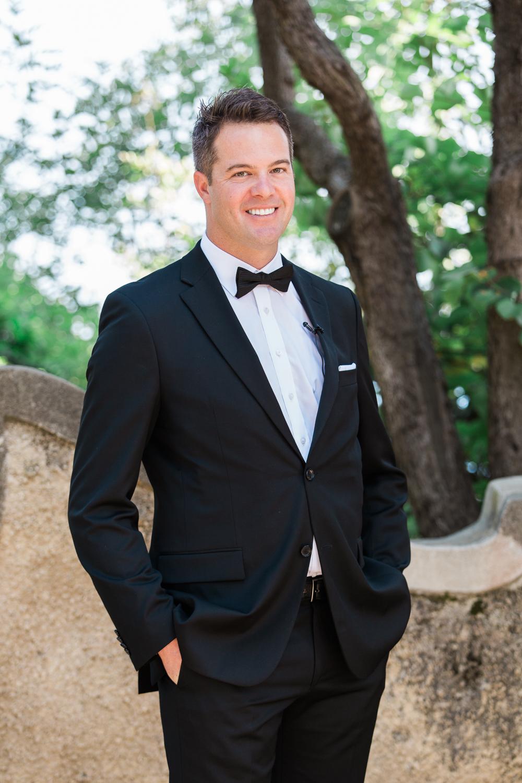 villa-cimbrone-wedding-hugo-boss-suit