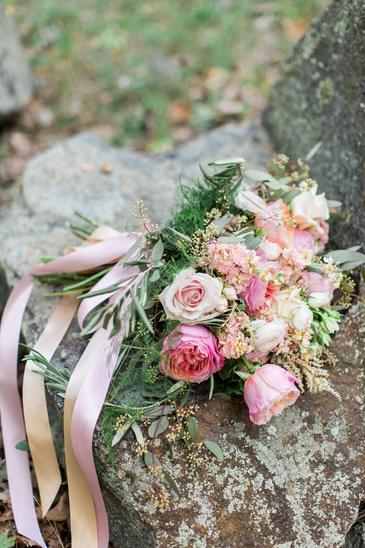 granite-links-wedding-photography-bouquet