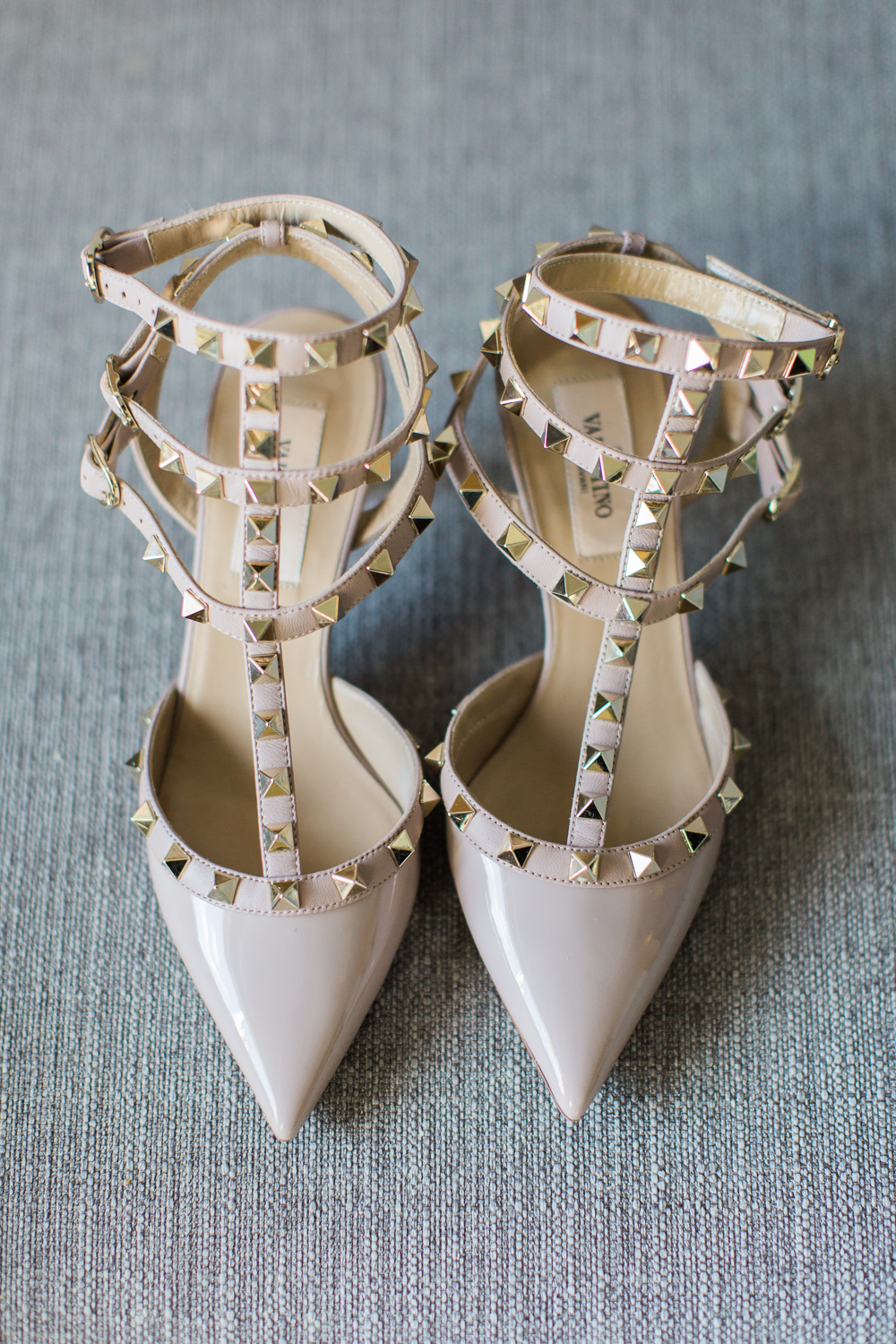 royal-sonesta-cambridge-wedding-photography-valentino-shoes