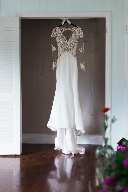 turner-hill-wedding-photography-dress