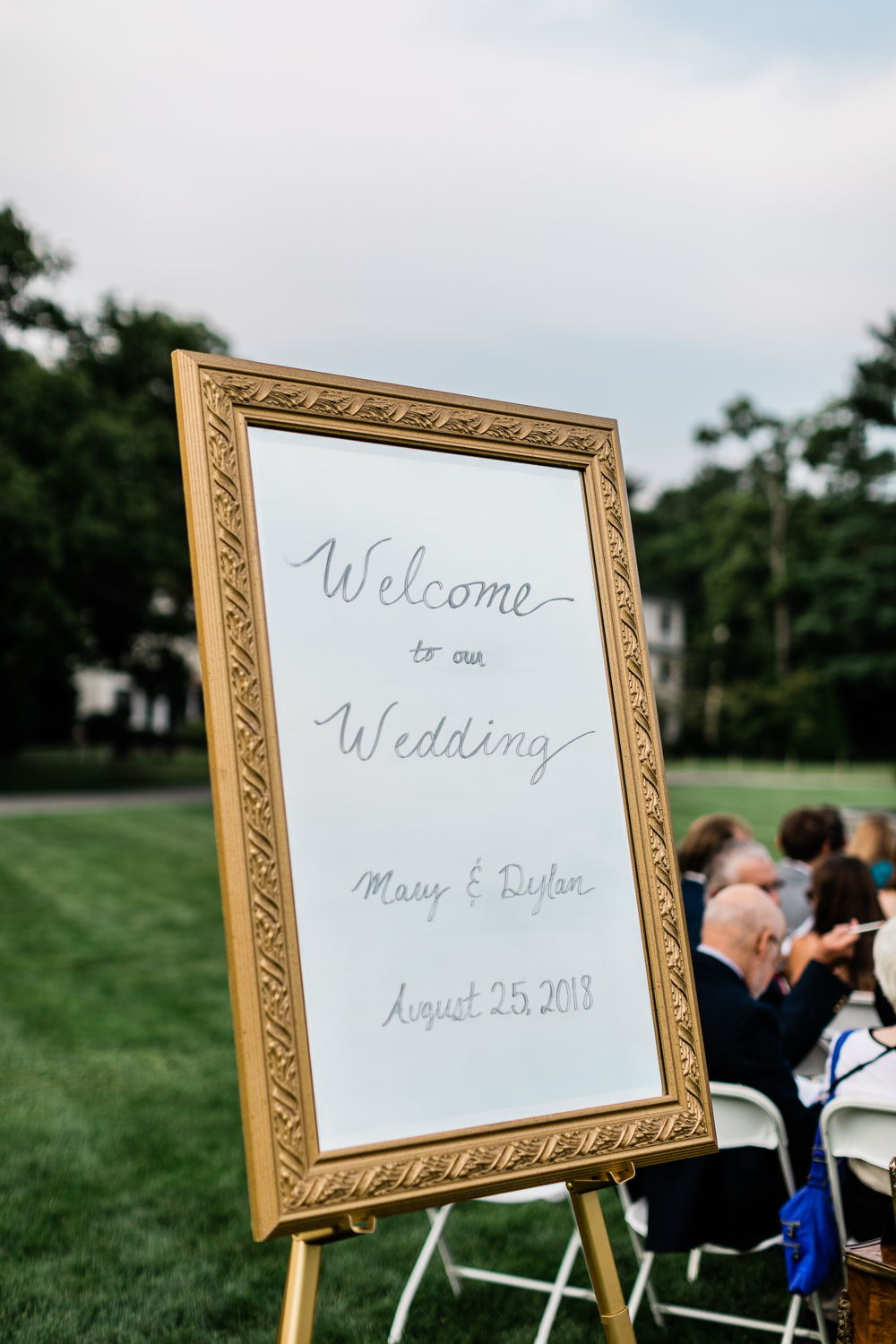 Welcome Mirror Sign