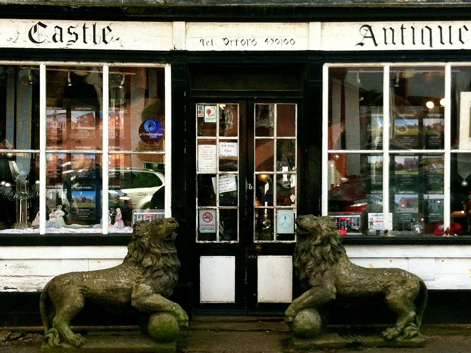 Both antique and kitch -- a wonderful little shop.