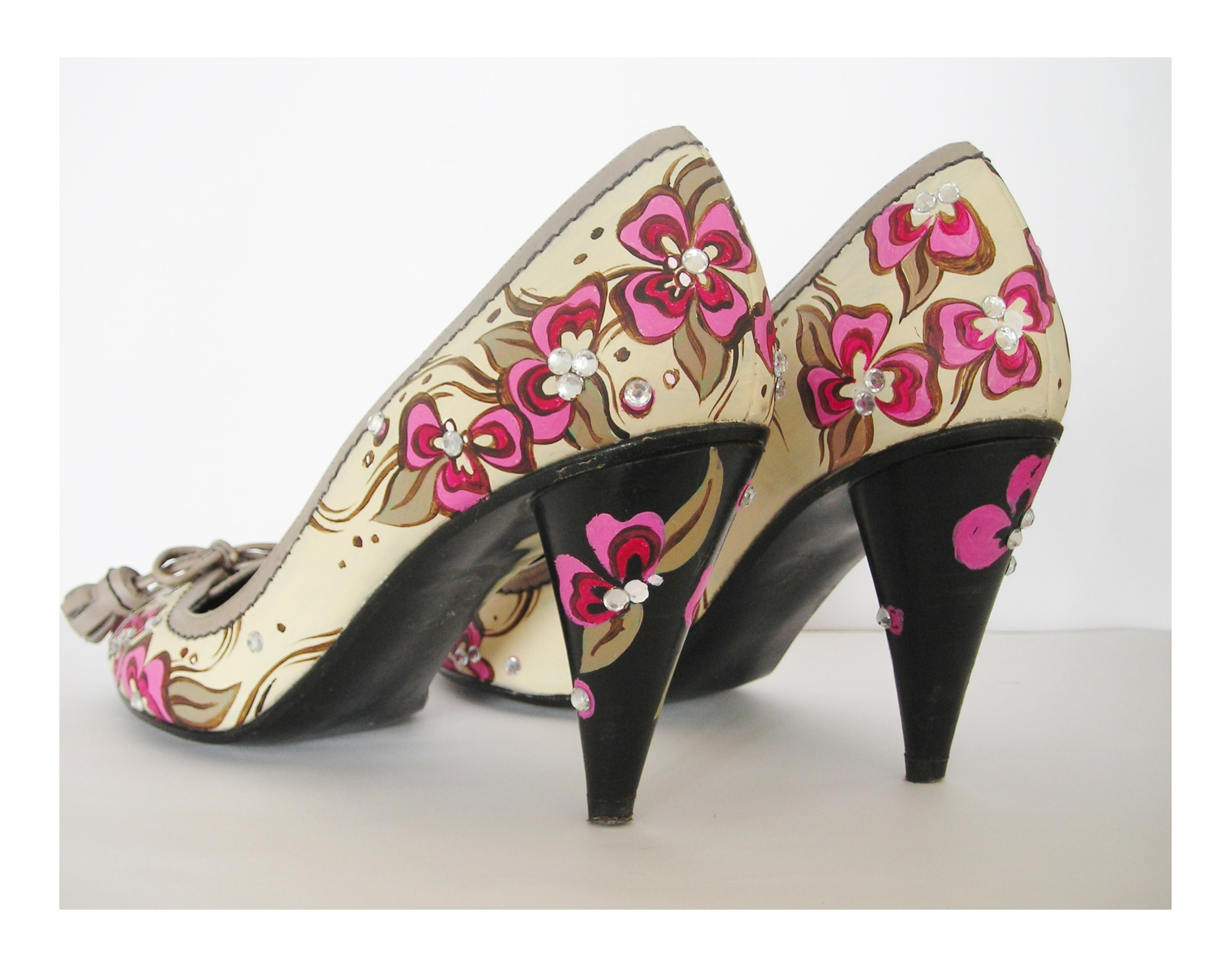 Customised Floral bridal shoes