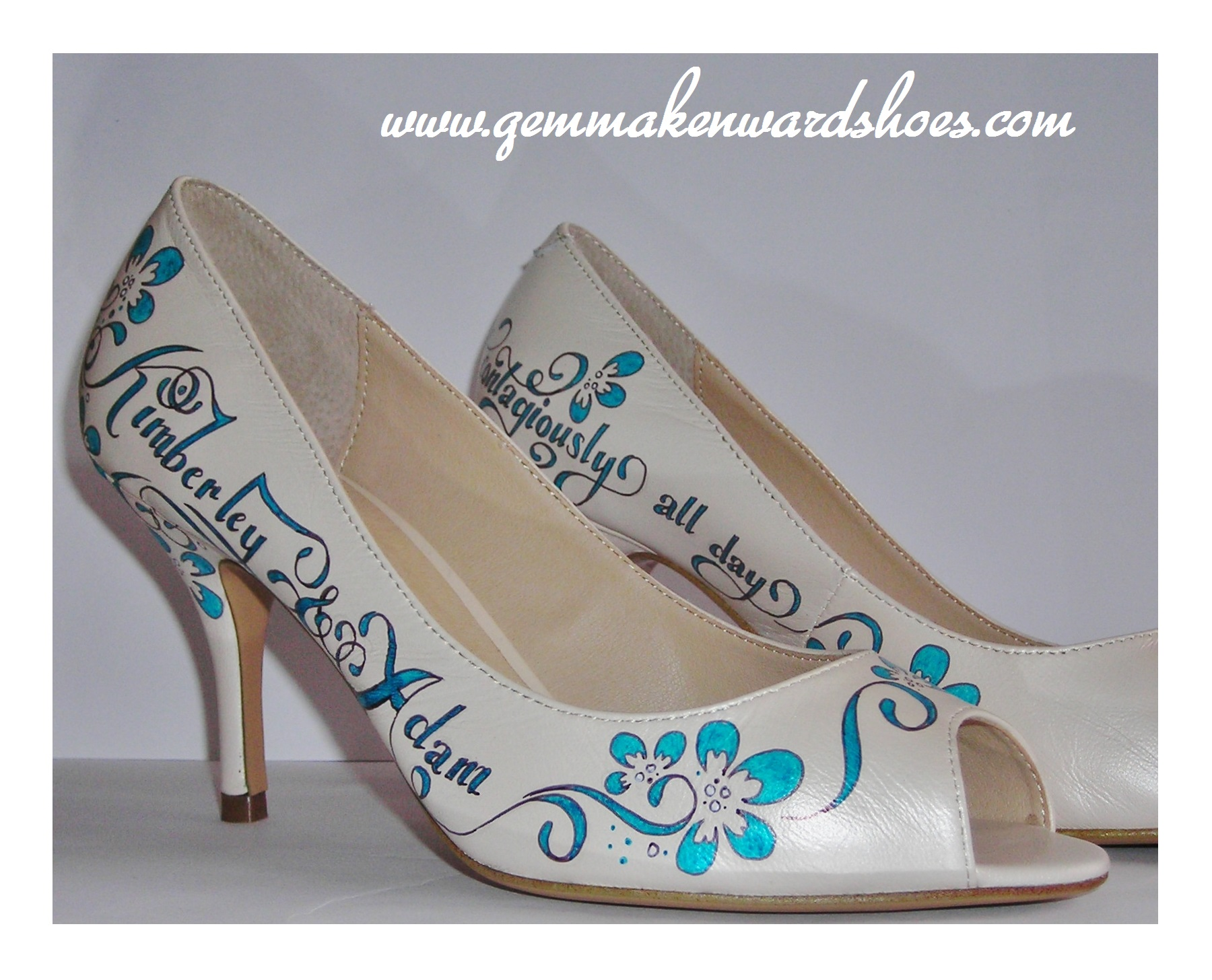These shoes look so comfortable and delicate. The leather was so soft and a dream to paint on