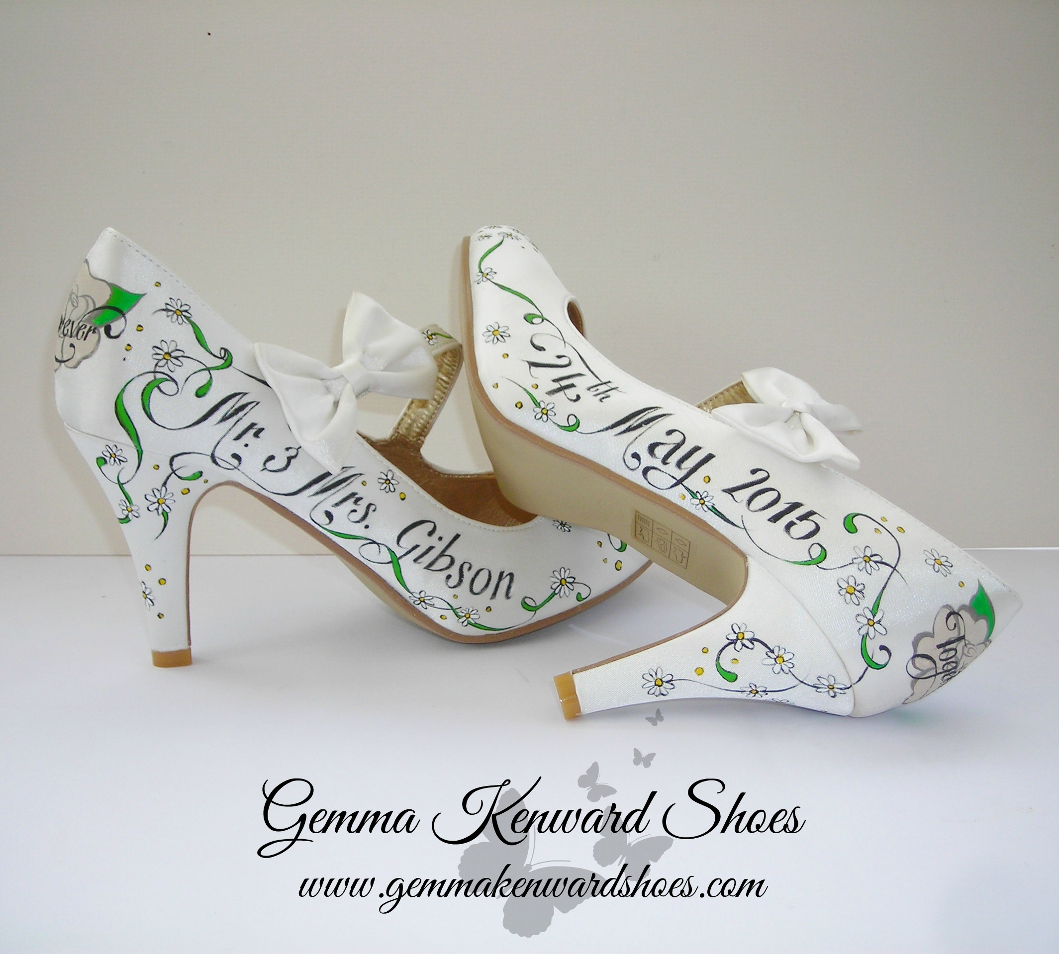 Hand Painted wedding shoes with daisies and roses .JPG