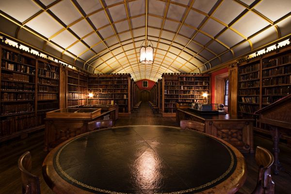 magdalen-college-library-oxford.jpg
