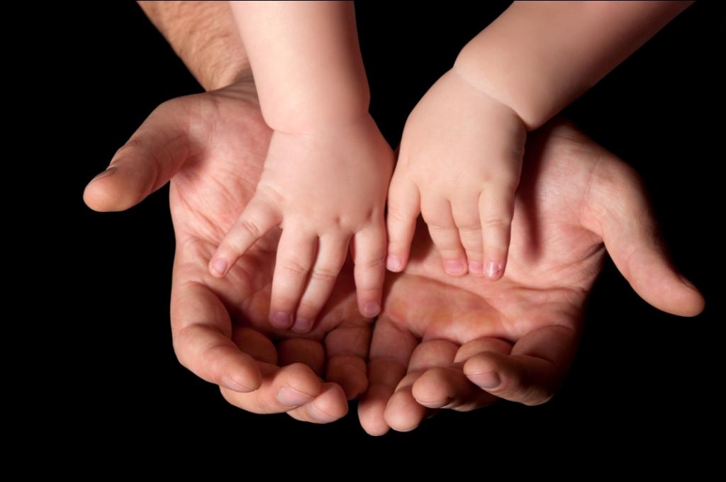 hands_in_hands_compress.jpg