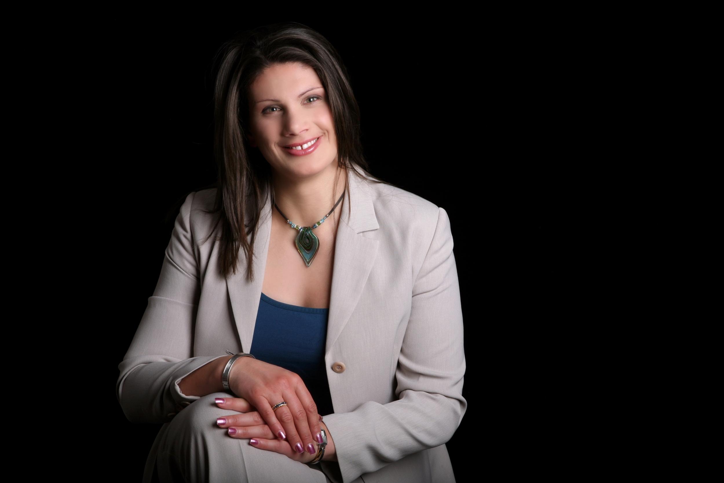Dr. Elizabeth Celi