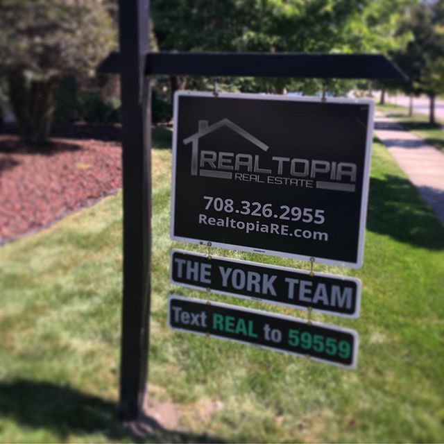 ❤️ our reflective signs! It's getting dark so much earlier so we make sure we have signs that have 24/7 visibility 👍🏻 . . #realestate #realtor #agent #sign #client #buy #sell #sold #yorkteamhomes #realtopia #house #home #weekend #weekendvibes #vibes #friday #success #business #work #job #entrepreneur #life #live #love #happy