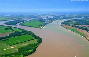 Confluence of the Missouri and Mississippi rivers