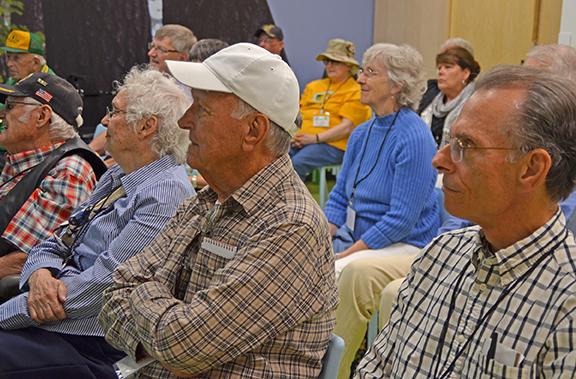 MHS_group watching02.jpg