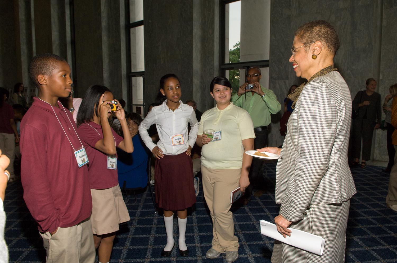 Congresswoman Eleanor Holmes Norton inspires student photographers. Photo: ©2009 Rebecca Hammel