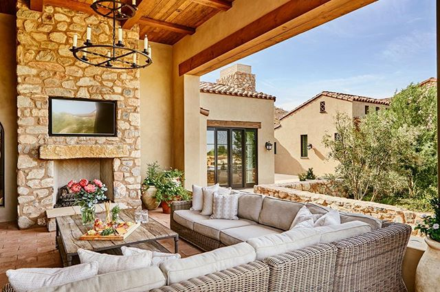 #architecturephotography #arizona #scottsdale #interiordesign #landscapedesign #patio #outdoorliving #phoenix