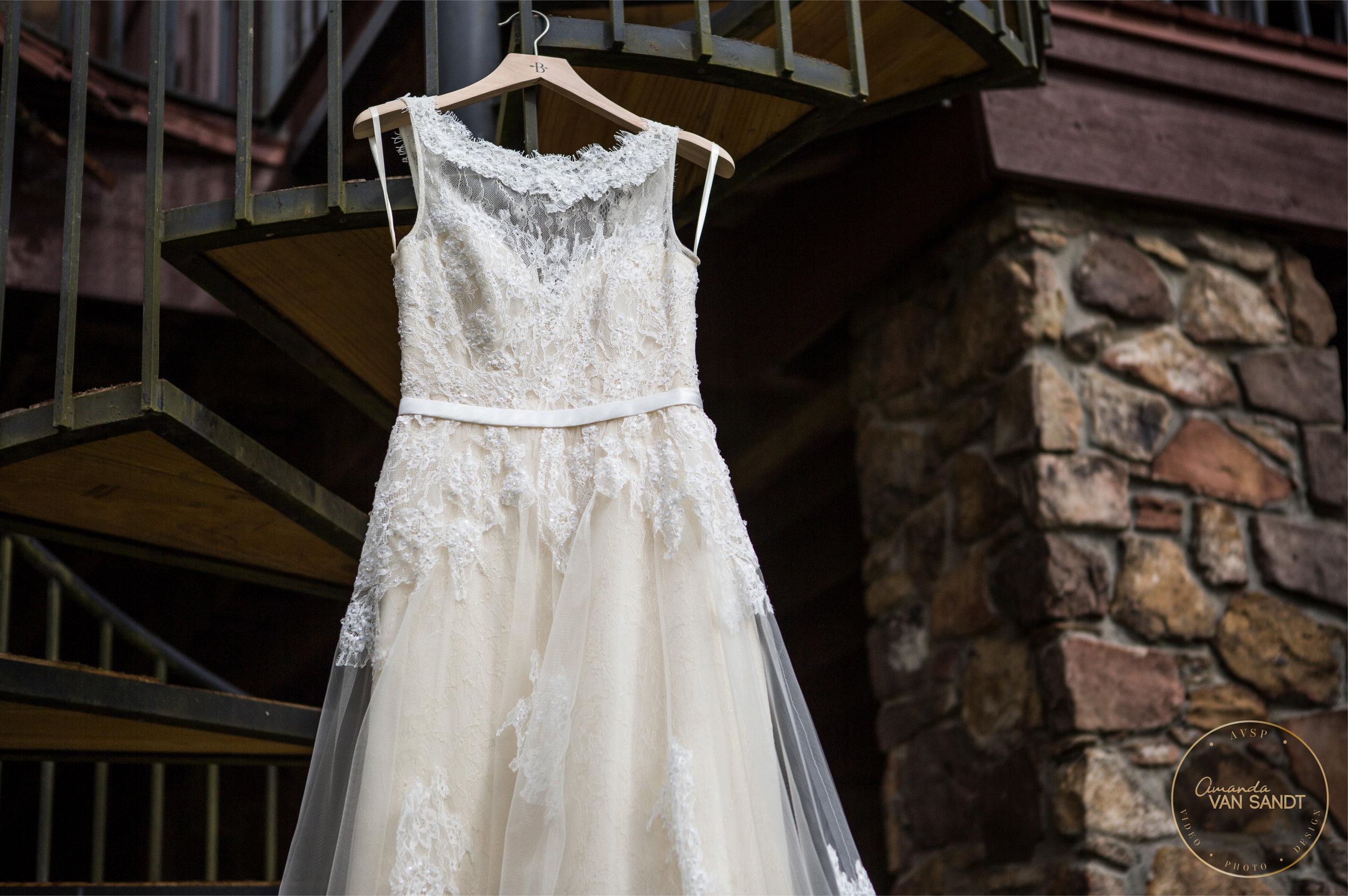 BrownBaggett-Wedding-02.jpg