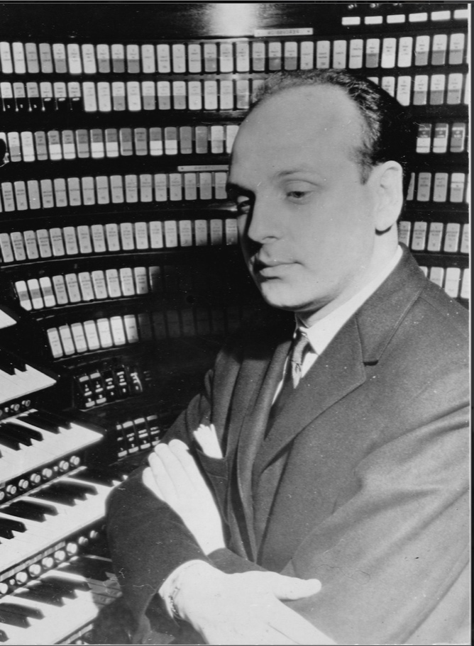 Victor Togni at the Wanamaker organ following his First Prize at the American Guild of Organists' 1964 Improvisation Competition
