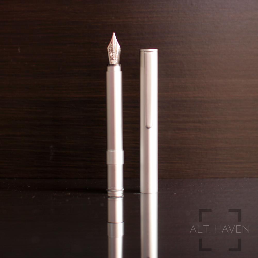 Muji Short Fountain Pen 2.jpg