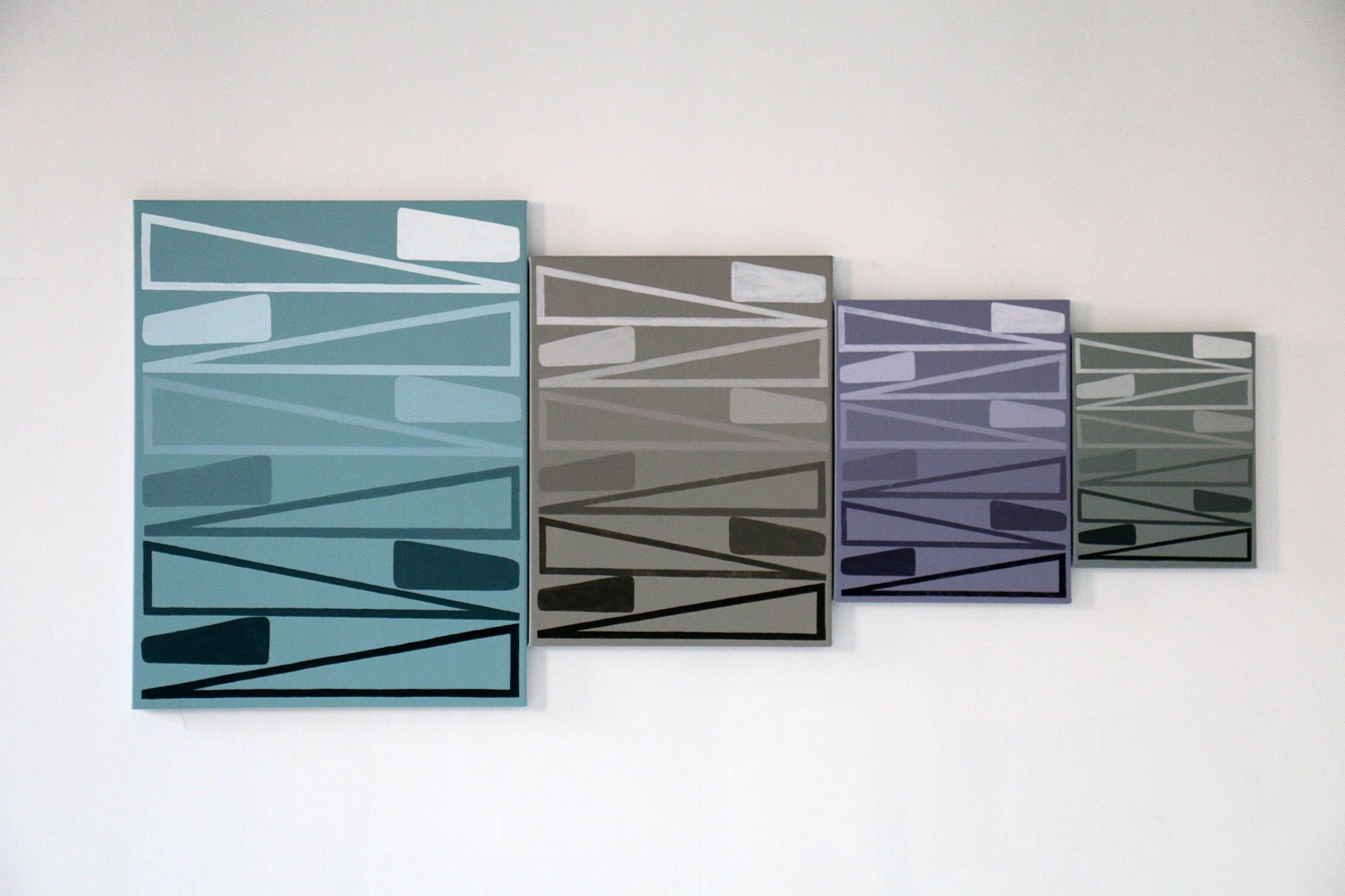 #006(S,M,L,XL) 2014 Acrylic on canvas 53 x 151 cm (21 x 59.5 inches)