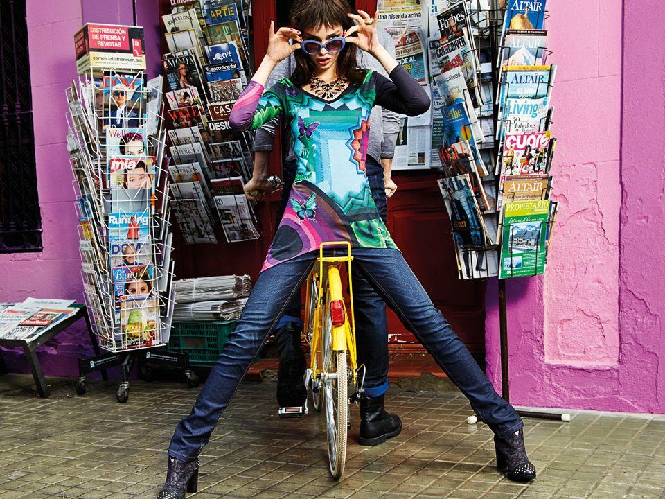 LBOI14_woman_city_carrusel_doble_4.jpg