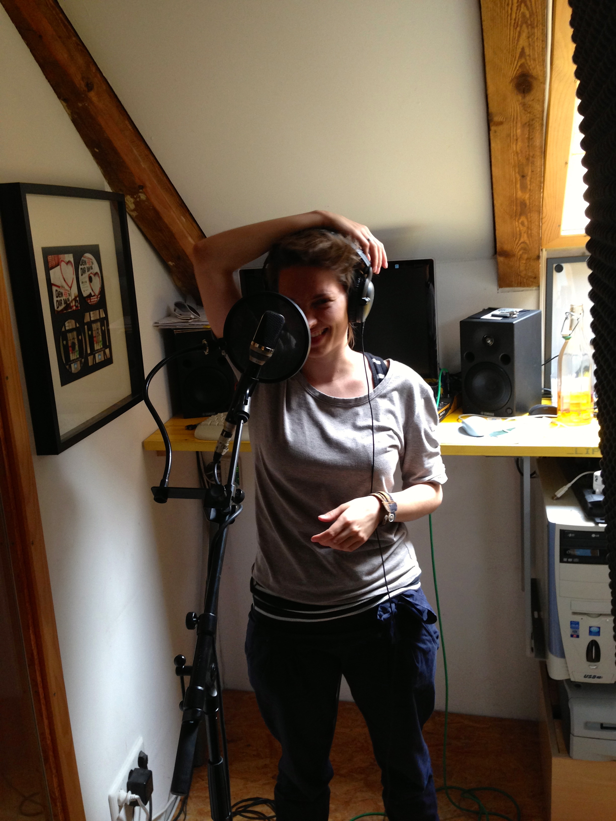 Klay getting ready to record the vocals in the extra room, while Ben and Walter record bass and drums in the main room