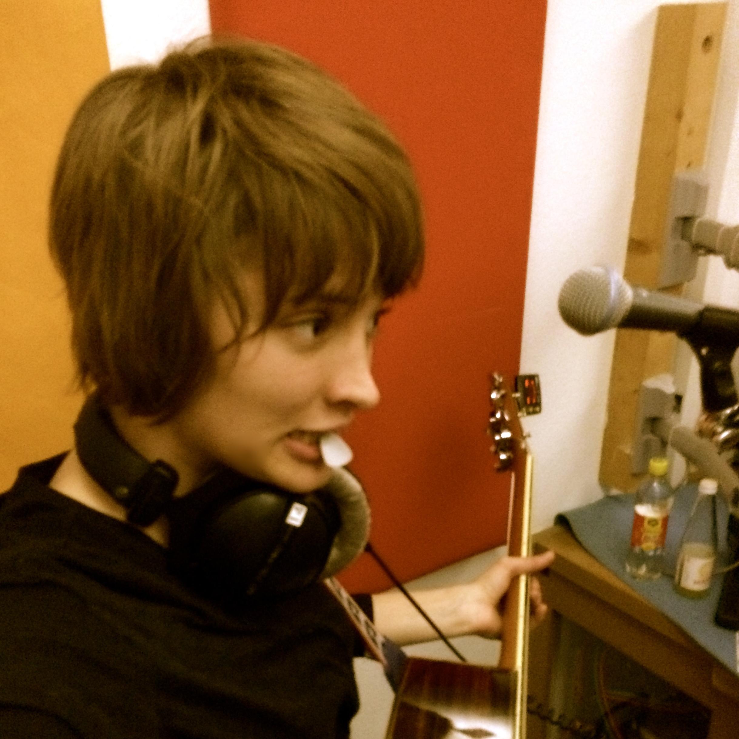 Klay in Radio Helsinki's studio