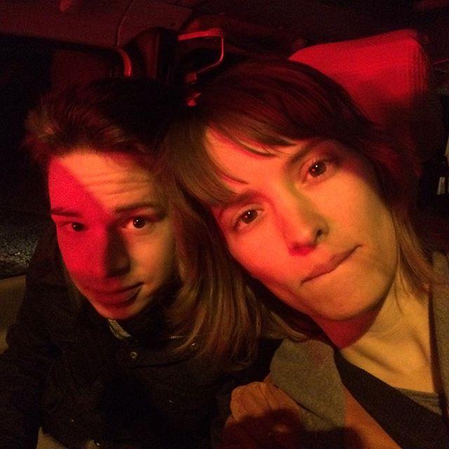 #neuesprojekt am Start!! Geschwisterduo Klara u Elias machen mal ne #Nachtfahrt fürs neue #Musikvideo. 😝😳 Weil wir unter Tags einfach zu viel zu tun haben... 😎 Los geht's.