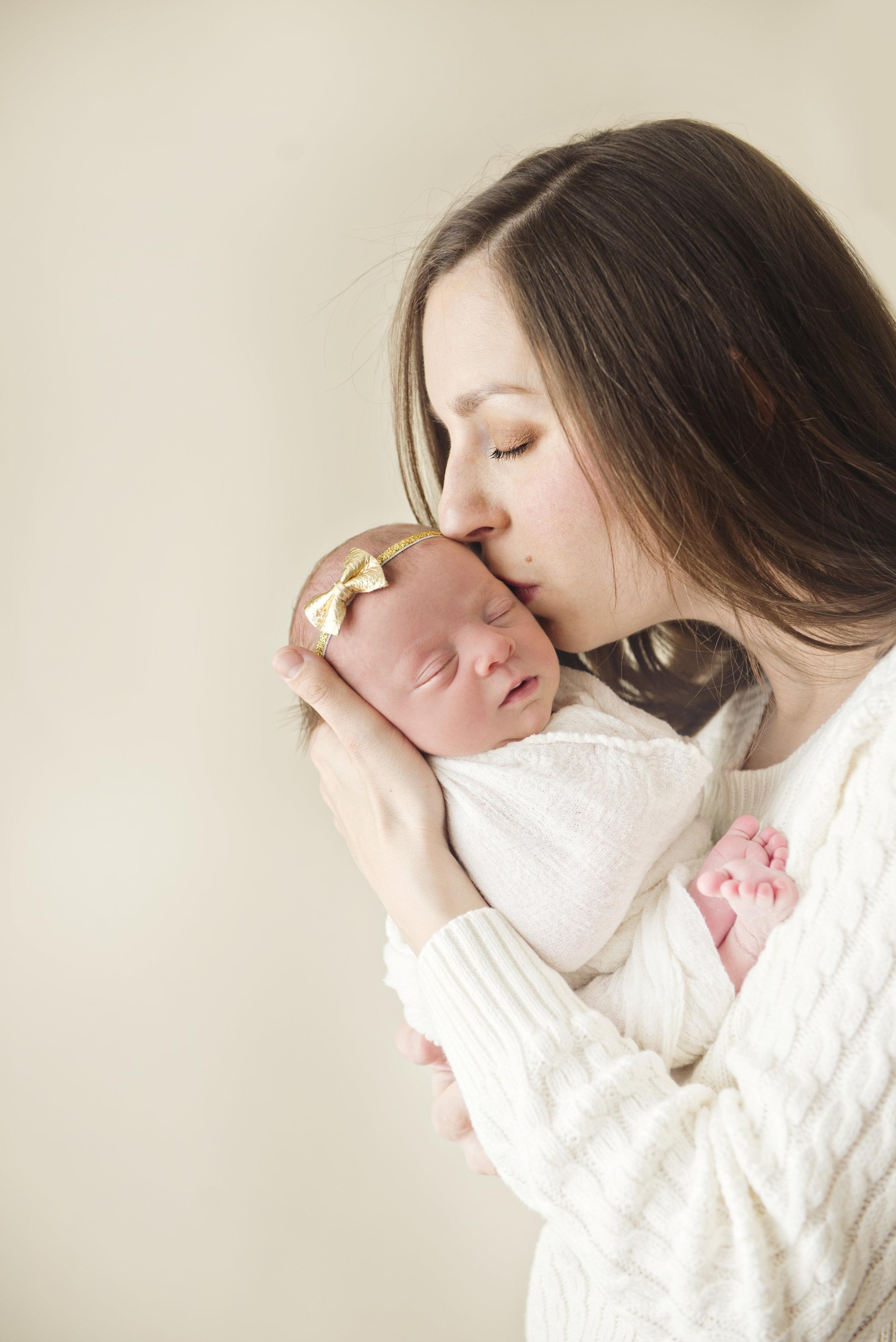 Saint Louis Newborn Photographer