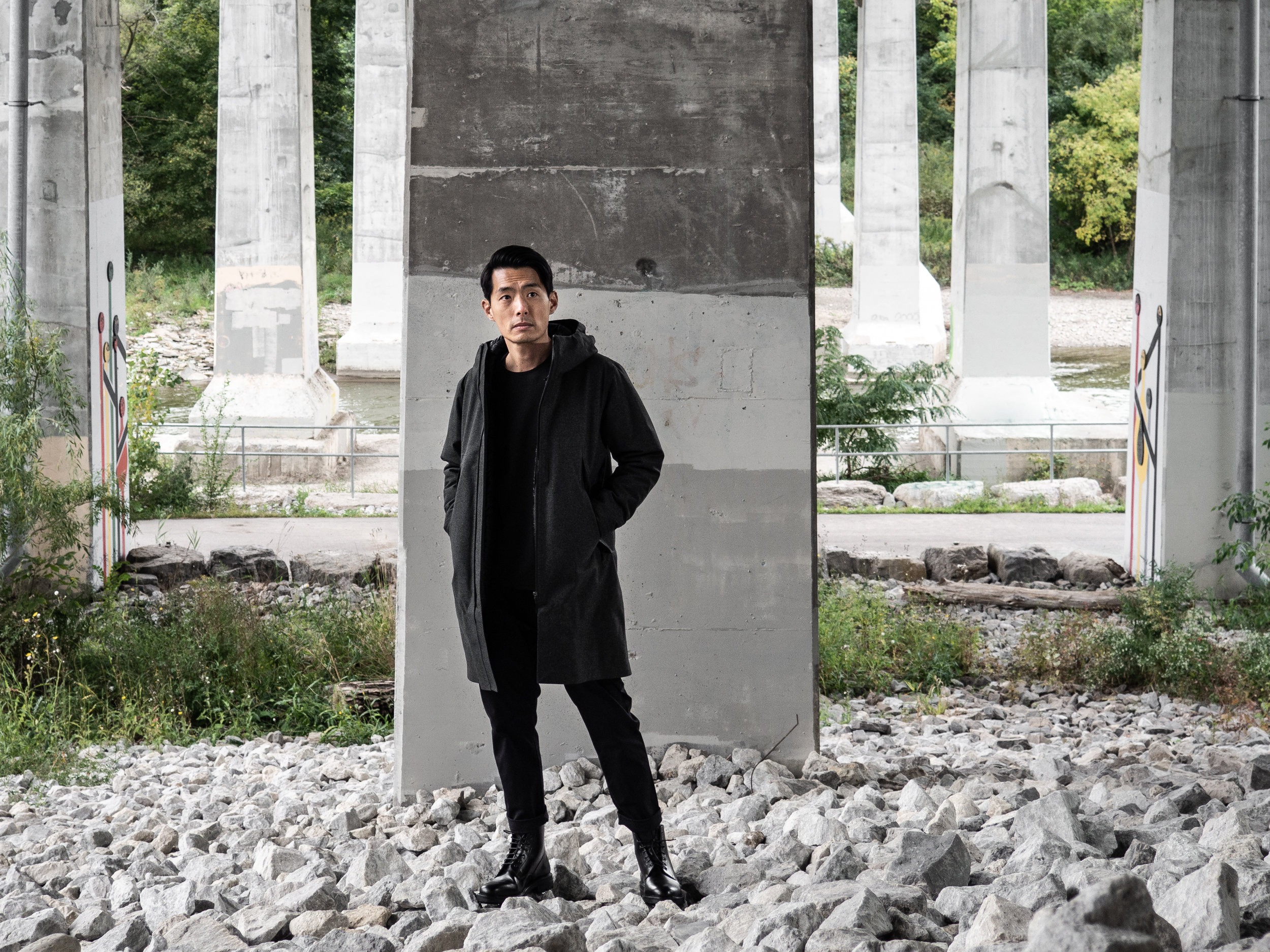 Look 005    Arc'teryx Veilance    Coat    and    Sweater     Wings + Horns    Pants    and    Boots