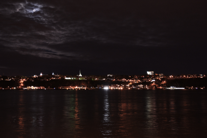 Daylight 18:36 - L'installation vue depuis la ville de Québec