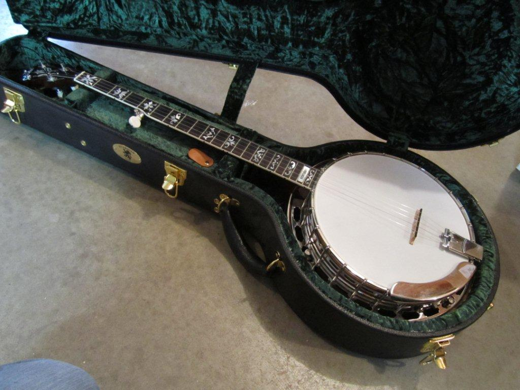 neat mahogany banjo 004.jpg
