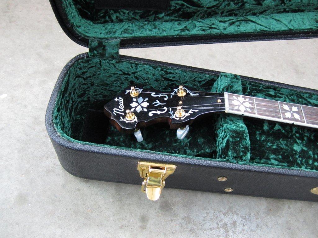 neat banjos 010.jpg