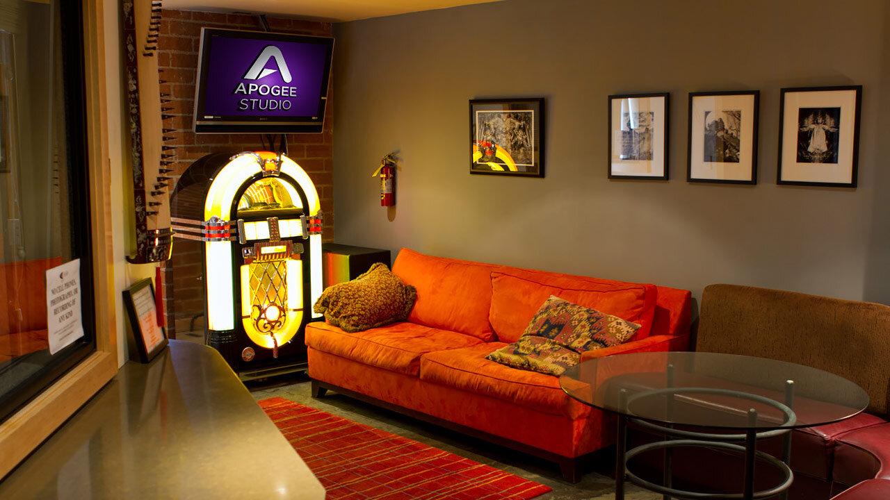 apogee-studio-lobby-2_1280x720.jpg