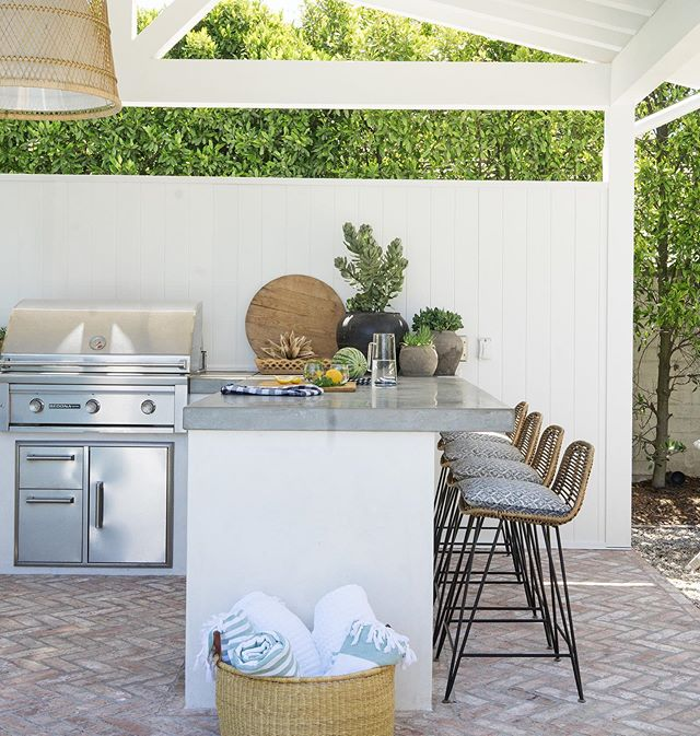 Made in the shade. . . . . Photo: @lanedittoe  Builder: @christianohomes  Interiors @mindygayerdesign