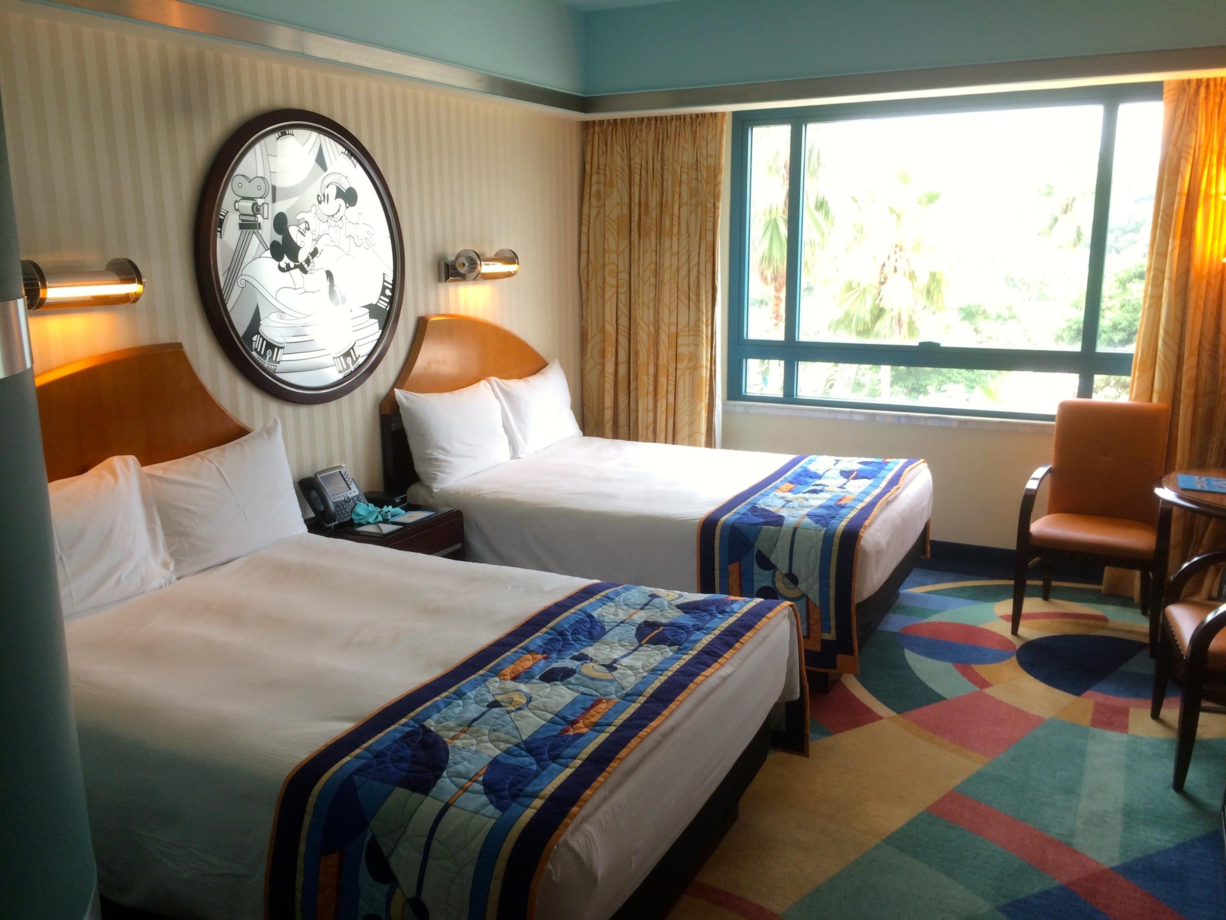 cheesy hotel room photo