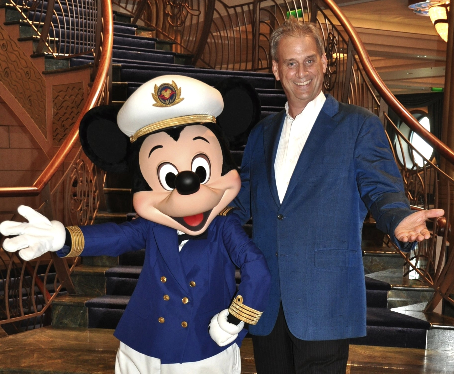 Magic Dave will be performing exclusively on Disney Cruise Line this season!