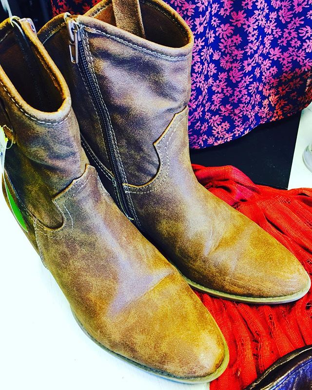 Need boots? We have 'em! #boots #rococo #rococoresale #consignmentpensacola
