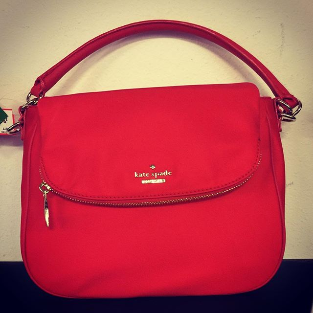 Kate Spade for Christmas. It's new and it's perfect! #rococo #rococoresale #katespade #christmaswishlist