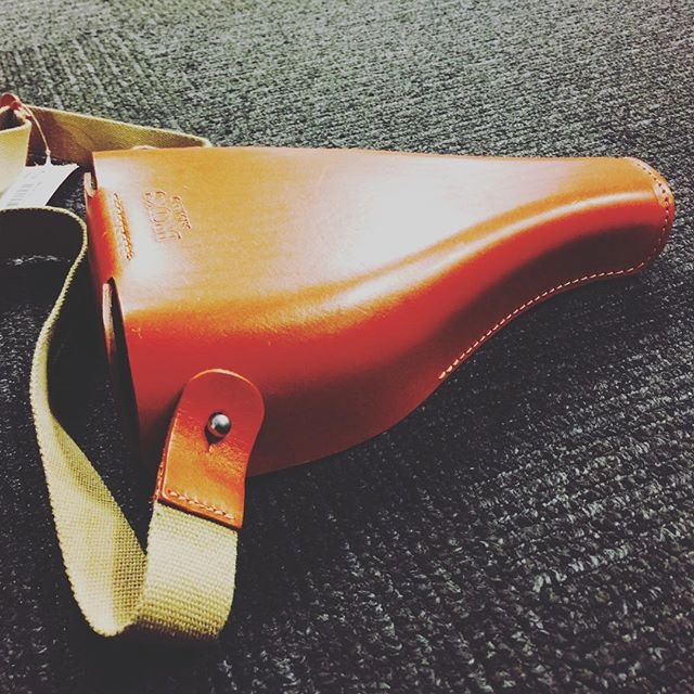 BROOKS ENGLAND leather saddlebag. Gotta have it! Only one!! #rococoresale #designerhandbags #designerconsignment