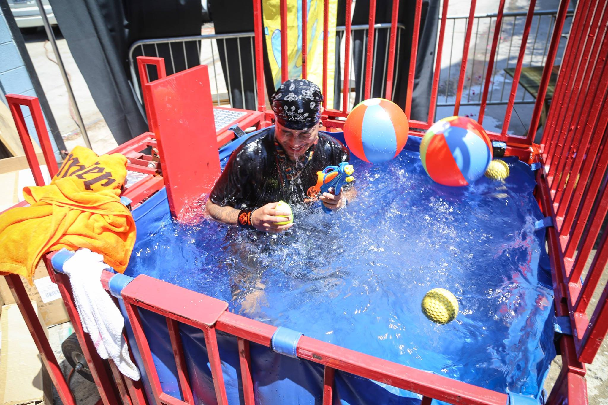 Co-sponsored by Jägermeister and Ilegal, the dunk tank was a big hit | Photo by Eugene Lee