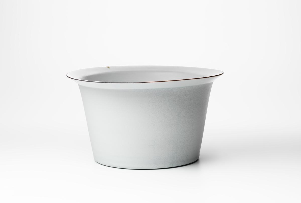 lipped-bowl.jpg