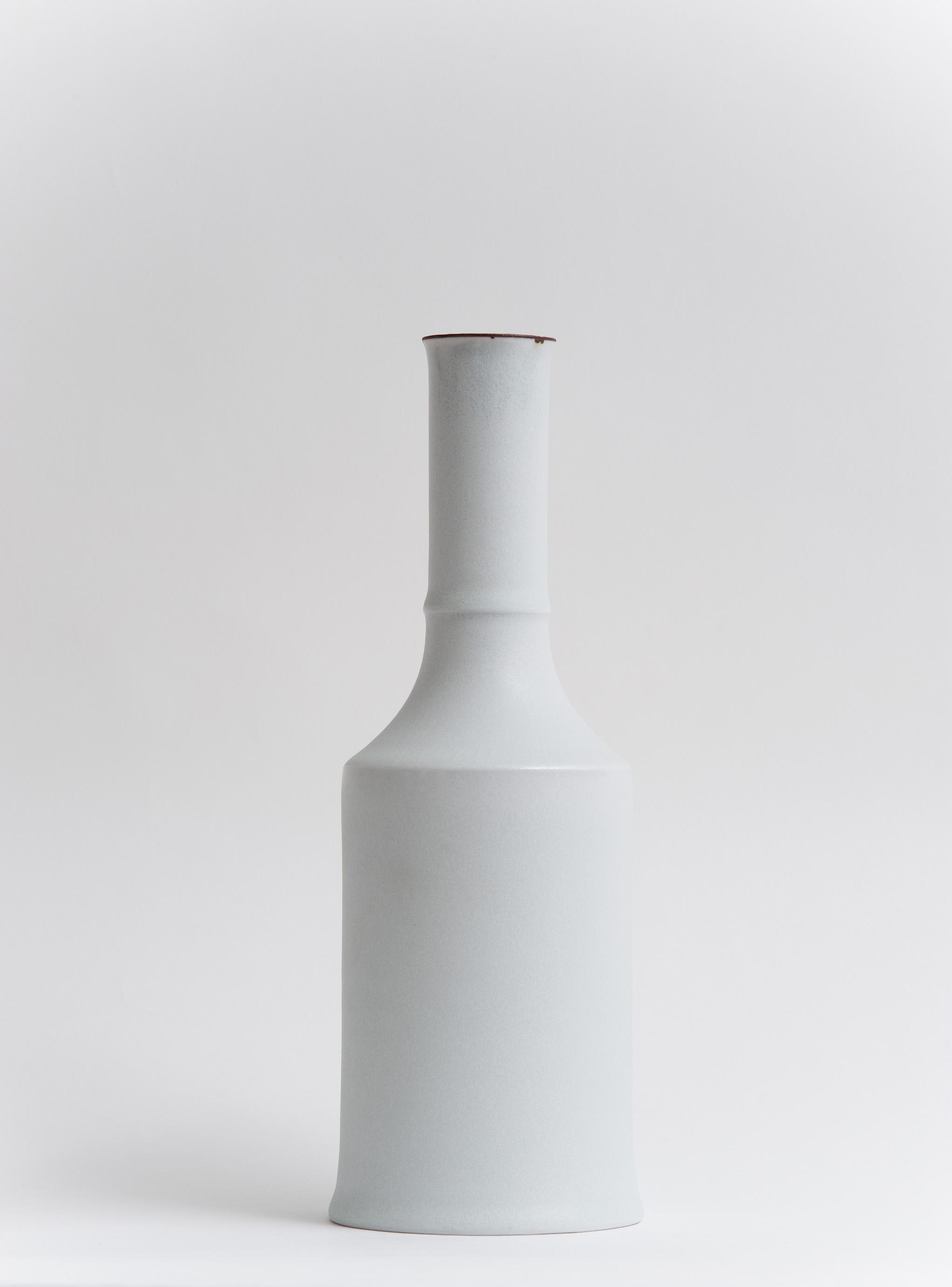17 Bottle 2011.jpg